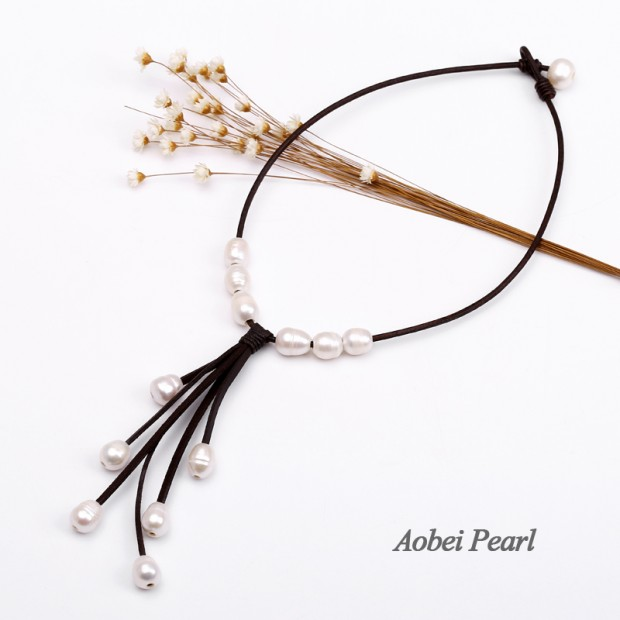 Aobei Pearl - Handmade Necklace made of Freshwater Pearl, Genuine Leather Cord and Korean Velvet, Pearl Necklace, Tassel Necklace, Beaded Necklace, ETS-S566