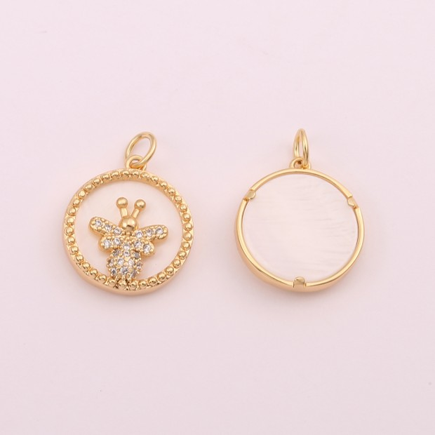 Aobei Pearl,18k Gold-Plated Round Pendant With Butterfly Pattern In The Middle, Jewelry Finding, Jewelry Making, Pendant.ETS-K620