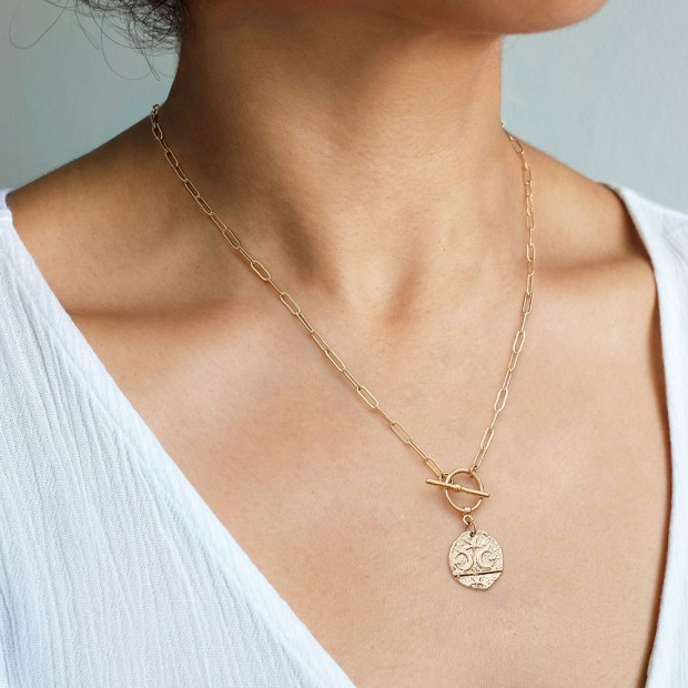 Aobei Pearl 18K Gold Curb Chain Necklace, Star and Moon Pendant Necklace, Handmade Jewelry for Women, ETS-S1017