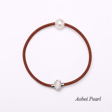 Aobei Pearl - Handmade Bracelet made of 10-11 mm Freshwater Pearl with 3.5 mm Hole, Genuine Leather Cord and Diamonds Magnetic Clasp, Pearl Bracelet, ETS-B106