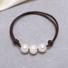 Aobei Pearl - 10-11 mm Adjustable Potato Pearl Leather Bracelet  with Genuine Leather and 3 Freshwater Pearl, ETS-B468