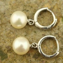 9-9.5 mm round white pearl earrings   ETS-E071