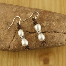 9-10 mm Genuine Freshwater Pearls Earrings, Rice Pearl Earrings with 925 sterling silver accessories Women Handmade Leather Earrings Freshwater Natural Pearls for Girls ,ETS-E098