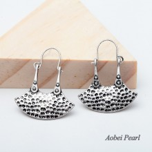 Aobei Pearl Handmade Vintage Earrings with High Quality Alloy Accessory, Well Design Alloy Earrings, Ear Clips Pendant Earring, ETS-E146