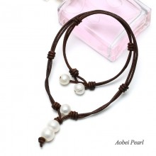 Aobei Pearl - Handmade Necklace made of Freshwater Pearl and Genuine Leather Cord, Leather Pearl Choker, Pendant Necklace, ETS-S445