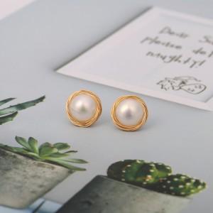 Aobei Pearl Freswater Pearl Stud Earring for Women Gold Wire Post Earring Handmade June Birthstone Jewelry Fashion Pearl Earrings, ETS-E291