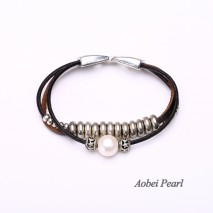 Aobei Pearl Handmade Bracelet with Freshwater Pearl, Genuine Leather Cord and Alloy Accessory, Wrap Bracelet, Leather Pearl Bracelet, ETS-B298