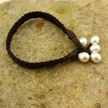 Aobei Pearl, Handmade Bracelet with Freshwater Pearl and Flat Artificial Leather Cord, Braided Bracelet, Pearl Bracelet, Leather Bracelet for Women, ETS-B206