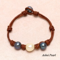 Aobei Pearl Handmade Bracelet made of Freshwater Pearl in Peacock Blue & Champagne Golden and Genuine Leather, Pearl Bracelet, ETS-B434