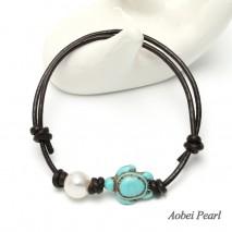 Aobei Pearl Handmade Bracelet made of Freshwater Pearl, Genuine Leather Cord and Tortoise Turquoise, Leather Pearl Bracelet, Adjustable Bracelet, ETS-B457-1