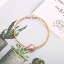 Aobei Pearl Boho Freswahter Pearl Cuff Bracelet Gold Wire Bangle for Women Handmade June Birthstone Bracelet, ETS-B574