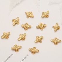Aobei Pearl, 10 PCS from the Sale, 18K Gold Plated Bee Charm for Jewelry Making, Jewelry Findings, DIY Jewelry Material, ETS-K363